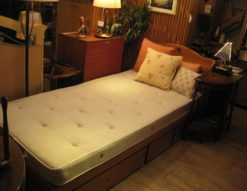 KOSUGA(コスガ) シングルベッド モデルルーム展示品