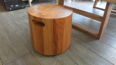 木の椅子 椅子 重い 重厚 花台 ディスプレイ