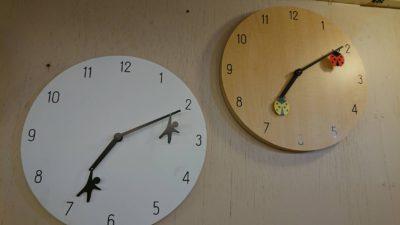 壁掛け 時計 かわいい てんとう虫 ぶら下がり