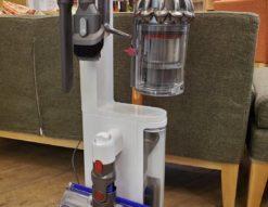 Dyson ダイソン SV12 コードレスクリーナー 掃除機 展示品 未使用品 超美品 スタンド付き