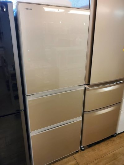 TOSHIBA 東芝 330L 3ドア冷蔵庫 2018年製 VEGETA ベジータ 真ん中野菜室 単身者 うるおいラップ
