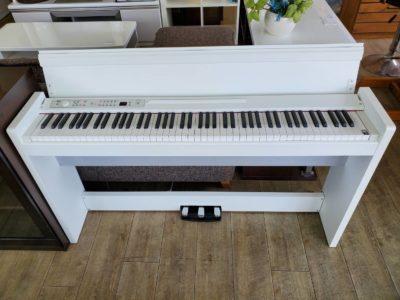 KORG コルグ 電子ピアノ デジタルピアノ 2014年製 ホワイトカラー 88鍵 RH3鍵盤 3本ペダル ヘッドホン 日本製 スリムタイプ