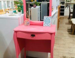 鮮やかなピンクが可愛い*ドレッサー 買取しました!