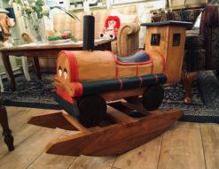 木のオブジェ*ロッキング汽車 買取しました!