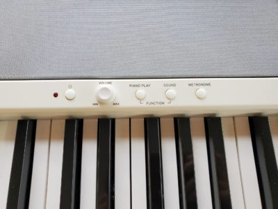 korg コルグ 電子ピアノ b2 デジタル ピアノ 2019年式 2019年 高年式 新しい イス付 ペダル スタンド 譜面台 カバー 付属品あり USB端子 スマホに接続