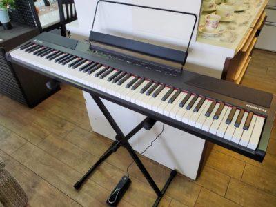 ALESIS アレシス RECITAL 電子ピアノ デジタルピアノ 88鍵 初心者向け ビギナー フルサイズ セミウェイト鍵盤 スタンド付 ペダル付 電池でも 譜面台付