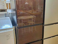 Hisense ハイセンス 282L 3ドア 冷蔵庫 右開き ガラストップ 250L 300L 280L 中型 大きめ 1人暮らし 自炊派シングル 2人暮らし 2~3人暮らし 真ん中野菜室 2019年製 高年式 ダークブラウン オシャレ スタイリッシュ