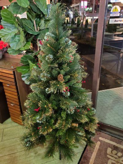 クリスマス Xmas Christmas クリスマスツリー インテリア 雑貨 クリスマス雑貨 アウトレット 新品 展示品 メリークリスマス 飾り 華やか ラメ付き 松ぼっくり ヒイラギ