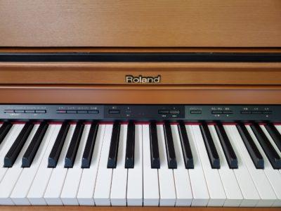 roland piano digital ローランドデジタルピアノ ローランド ピアノ 電子ピアノ 多機能 ビブラフォン デュアル機能 レイヤー機能 ツイン・ピアノ バイオリン コンパクト 高級 明るいブラウン ライトブラウン おススメ