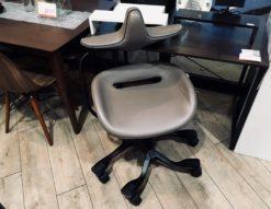 Wooridul chair*iPole7(牛皮タイプ/グレー)買取しました!