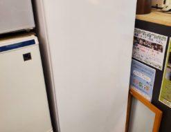 展示品 SHARP シャープ 167L 1ドア 冷凍庫 フリーザー 2018年製 150L 200L 大きめ 大型 ホワイト 右開き ケース式 省エネ プラス1台 未使用品 冷凍ストッカー
