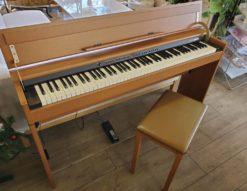 ROLAND ローランド 電子ピアノ デジタルピアノ ライトチェリー調 ライトブラウン 明るいブラウン 88鍵 椅子付 ペダル付 説明書 中古 リサイクルショップ 再良市場 キレイ スタイリッシュ コンパクト