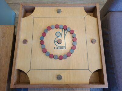 ボードゲーム カロム 卓上ゲーム