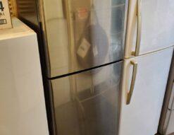 SHARP シャープ 225L 2ドア 冷蔵庫 2018年製 ガンメタ 2WAYフレッシュルーム 高年式 インダストリアル レトロ かっこいい おしゃれ シルバー ブラック オシャレ 200L 250L 中型 単身用 シングル 2人暮らし 2~3人暮らし オススメ イケてる冷蔵庫