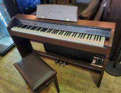 CASIO カシオ 電子ピアノ Privia プリヴィア イス付 ヘッドフォン付 ヘッドホン付 電子キーボード デジタルピアノ オークウッド調 88鍵 スタンド一体型 コンパクト エントリークラス 録音機能 グランドピアノ 強弱 豊かで美しい ピアノみたい ブラウン スタイリッシュ 128音