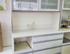 pamouna パモウナ レンジボード 短期使用 美品 食器棚 ハイカウンター ダストボックス付 フルオープンレール ソフトクローズ キッチンボード 収納棚 ダイヤモンドハイグロス 鏡面 ホワイト 白鏡面 おすすめ イチオシ