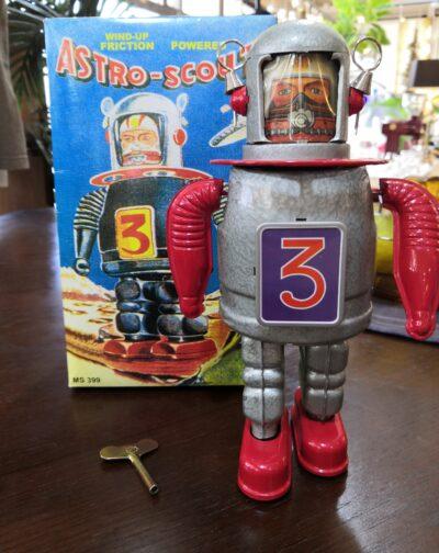 Clockwork Spring Retrochic Robot 1
