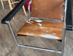 LC1 Sling Chair 1