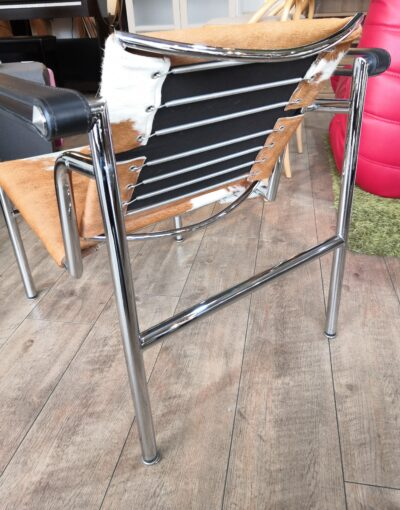 LC1 Sling Chair 3