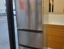 Hisense ハイセンス 360L  3ドア 冷蔵庫 2020年製 高年式 シルバー 冷凍冷蔵庫 右開き セレクトチルド室 300L 350L 400L 中型 大型 2人暮らし 3人暮らし 1人暮らし 省エネ 自動製氷 おススメ