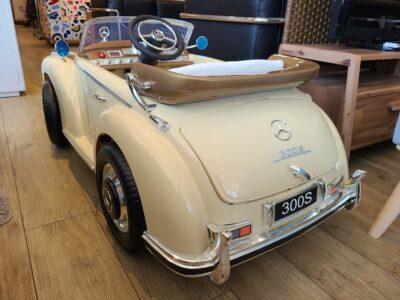 電動乗用ラジコンカー BENZ 300S ベンツ 電動乗用玩具 正規ライセンス品 クリーム色
