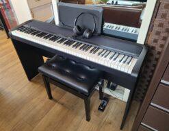 KORG / コルグ デジタルピアノ 88鍵盤 電子ピアノ B1 2017年製 ヘッドフォン・イス付き