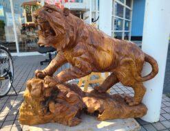木彫り虎 トラ 置物 彫刻オブジェ 一刀彫 干支