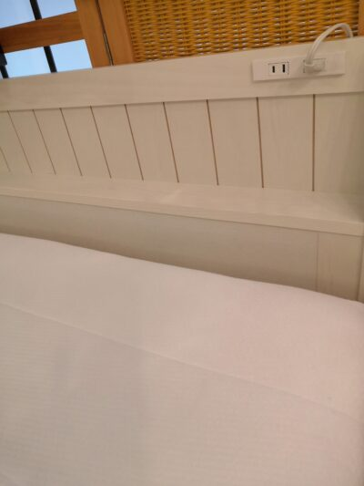 Semi-double bed 2